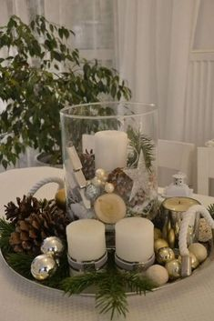 Stunning Christmas Coffee Table Decor To Relax In The Living Room - MagzHome Xmas Table Decorations, Coffee Table Centerpieces, Christmas Table Centerpieces, Indoor Christmas Decorations, Decorating Coffee Tables, Decoration Table, Dining Decor, Christmas Coffee, All Things Christmas