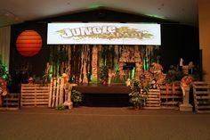 Jungle Safari VBS stage at Faith Community! Jungle Safari VBS stage at Faith Community! Safari Party, Safari Theme, Jungle Safari, Jungle Theme, Jungle Decorations, Stage Decorations, African Theme, African Safari, Jungle Balloons