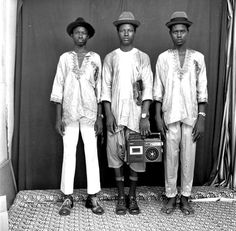 Studio portrait photographers Seydou Keita(b. and Malick Sidibe (b. each captured people of Bamako, Mali from the through . Seydou Keita, 2016 In Pictures, Afro, Most Famous Photographers, Festival Photo, Paris Match, Youth Culture, Pop Culture, Glamour