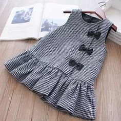 Trendy sewing baby dress diy little girls 41 ideas Little Girl Dresses Baby diy Dress Girls ideas Sewing Trendy Girls Frock Design, Baby Dress Design, Baby Girl Dress Patterns, Children's Dress Patterns, Sewing Patterns, Baby Dress Tutorials, Coat Patterns, Baby Patterns, Kids Dress Wear