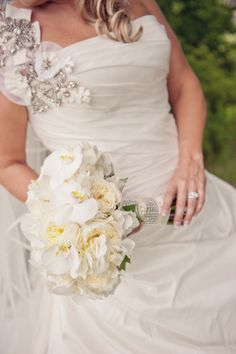 Bouquet by Holly with Posy Floral Designs  Photo by Dolce Vita
