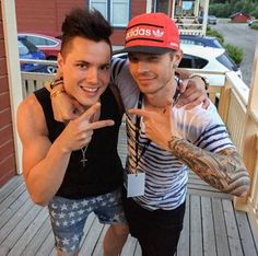 Sauli and Mr Finland 2015, they've apparently known each other for years https://instagram.com/p/5mQ317E648/