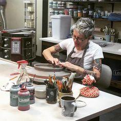 Marshall University Ceramics studio visit with Noelle @fullcircleceramic.  Instagram photo by @melissayungbluth