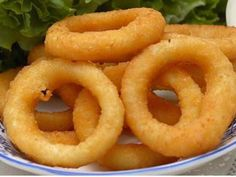 Beer Batter Onion Rings With Flour, Beer, Onions, Vegetable Oil Empanadas, Beignets, South African Recipes, Ethnic Recipes, Beer Battered Onion Rings, Baked Onion Rings, Snacks Für Party, Dough Recipe, Love Food
