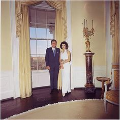 Kennedy's official White House photograph with the first lady in 1963. | 26 Flawless Photos Of John F. Kennedy