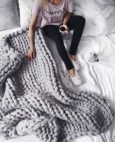 I REALLY want one of these blankets. Does anyone know where to get one or have you ever made one? Let me know! #knitting #blanket #hygge #life #cozy #fall #sweet #bed #followme #f4f