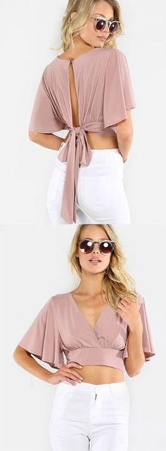Add a feminine piece to your ensemble with the Flowy Crop Wrap Top! Features a a v-neck, pleated front, wrap closure and fluttery short sleeves. Trendy Dresses, Casual Dresses, Fashion Dresses, Summer Dresses, Mode Hijab, Dresses With Sleeves, Short Sleeves, Clothes For Women, Diy Clothes