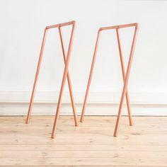 Tréteaux en cuivre: Bureau de style de style Minimaliste par Auguste & Claire