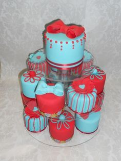 Red and Tela mini-cakes By lesucreaufour on CakeCentral.com
