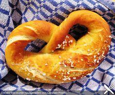 Schwäbische Laugenbrezel, ein tolles Rezept aus der Kategorie Brot und Brötchen. Bewertungen: 66. Durchschnitt: Ø 4,3.