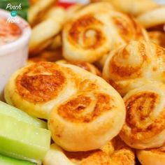 If you love cheese biscuits, you'll adore these Slimming World friendly Low Syn Cheese Palmiers. Great if you're looking for something savoury to nibble on. Savory Snacks, Healthy Snacks, Healthy Eating, Healthy Recipes, Snacks Recipes, Diet Recipes, Quark Recipes, Cooking Recipes