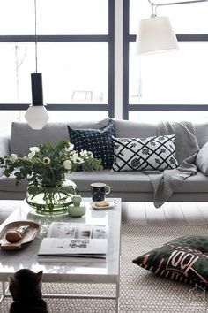 Image result for urna vase marimekko Living Room Style, Decorating Your Home, Peaceful Home, Living Dining Room, Interior Design Styles, Interior Design, Home Decor, House Interior, Scandinavian Home Interiors