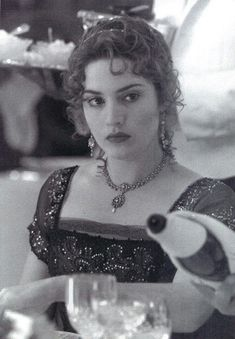 Titanic Movie Facts, Real Titanic, Kate Winslet Movies, Album Cover Design, Photos Of Eyes, Black And White Pictures, Most Romantic, Best Songs, Good Movies