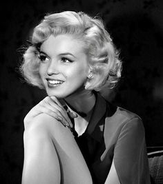 """The Golden Year Collection: Photo - clarabowlover: """"Marilyn Monroe """" - Viejo Hollywood, Hollywood Star, Hollywood Glamour, Classic Hollywood, Arte Marilyn Monroe, Marilyn Monroe Photos, Marilyn Monroe Style, Robert Mapplethorpe, Stars D'hollywood"""