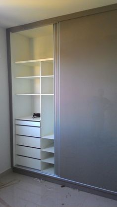 Small Closet Design, Small Closets, Closet Designs, Wardrobe Design Bedroom, Closet Bedroom, Bedroom Decor, Sliding Wardrobe, Wardrobe Closet, Study Room Design