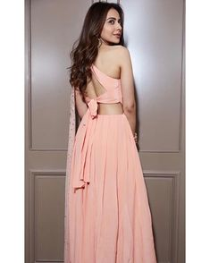 Rakul Preet Singh Is Winning Out Hearts With Her Beautiful Promotional Appearance For Upcoming Movie - HungryBoo Western Dresses, Indian Dresses, Indian Outfits, Bollywood Actress Hot Photos, Beautiful Bollywood Actress, Beautiful Actresses, Bollywood Designer Sarees, Indian Designer Outfits, Saree Blouse Designs