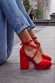 I LOVE these from Free People! The Remi Platform in Red ~ Today's Fashion Item I LOVE these from Free People! The Remi Platform in Red ~ Today's Fashion Item Red Shoes, Cute Shoes, Women's Shoes, Me Too Shoes, Fall Shoes, Red Heels Outfit, Shoes Men, Shoes Sneakers, Sandals Outfit