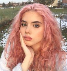 Hair Color For Fair Skin, Cool Hair Color, Hair Colour, Pink Color, Weird Hair Colors, Pink Hair Colors, Fashion Hair Color, Pink Fashion, Retro Fashion