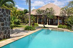 Villa Bukti - Bali, Indonesië - Prachtig Balinese bungalowvilla direct aan de kust voor 2 tot 8 personen -- mail@xclusivevillas.com of bel: 0031 (0)85 401 0902