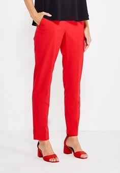 красные брюки