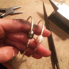 Lifou hammered bangles with black and rose freshwater pearls Love Bracelets, Cartier Love Bracelet, Bangles, Fresh Water, Pearls, Rose, Black, Jewelry, Bangle Bracelets