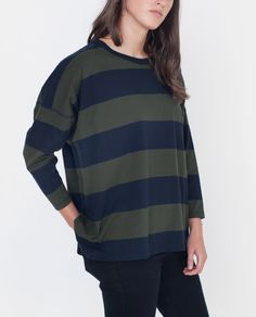 53952ff5bdff6 JAYA Organic Cotton Top in Navy And Green