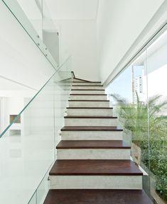 Galeria de Casa B19 / Arte Urbana Arquitetos - 1 Stairs, 1, Home Decor, Architects, Houses, Fotografia, Pictures, Stairway, Decoration Home