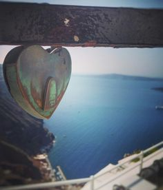 Lovelock.. heartlock.. Thira, Santorini.