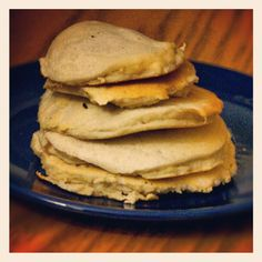 Coconutflour pancakes for #breakfast . They're soo easy to make: 1 egg, 4 eggs white, 35 g coconutflour. 252 Cal /3.7 g carbs