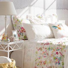 Sábanas y ropa de cama llenos de color y vida que harán que cada despertar de verano sea una auténtica delicia.