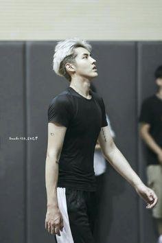 Even though he's no longer part of EXO.I'm still gonna pin it on tmy EXO board Wu Yí Fan saranghae!