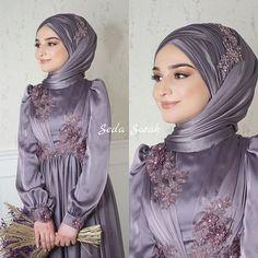 Hajib Fashion, Muslim Fashion, Modest Fashion, Fashion Dresses, Long Prom Dresses Uk, Hijab Wedding Dresses, Hijab Dress, Bridal Hijab, Hijab Bride