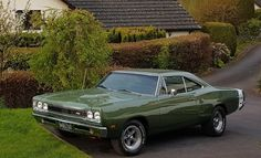1969 Dodge Coronet For Sale Plymouth Muscle Cars, Dodge Muscle Cars, Dodge Super Bee, Cool Car Pictures, Fox Body Mustang, Dodge Coronet, Dodge Power Wagon, Grand Caravan, American Muscle Cars