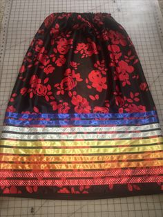 Love the color choices! Native American Clothing, Native American Regalia, Native American Beadwork, Traditional Skirts, Native Fashion, Powwow Regalia, Jingle Dress, Ribbon Skirts, Bead Sewing