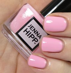 Jenna Hipp What S Hot Now Nail Collection Review Photos Swatches Great Nails Cute