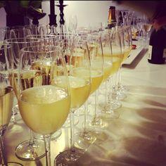 Møte i Champagnelosjen. Liker.