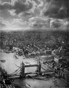 Tower of London, England Baker Street, The Places Youll Go, Places To See, London Landmarks, Old London, Vintage London, London History, Tower Of London, London Calling