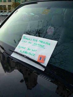 Geek Discover Funny pictures about Dealing with bad parking. Oh and cool pics about Dealing with bad parking. Also Dealing with bad parking. Funny Shit, The Funny, Funny Jokes, Funny Fails, Funny Stuff, Funny Car Pranks, Funny Laugh, Bad Parking, Parking Space