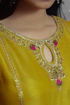 Embroidery Suits Punjabi, Embroidery On Kurtis, Hand Embroidery Dress, Kurti Embroidery Design, Embroidery Neck Designs, Embroidery Fashion, Neck Designs For Suits, Neckline Designs, Dress Neck Designs