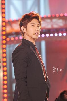 Sexy sexy!♥3♥ Jung Yunho, Great Leaders, Tvxq, Celebs, Kpop, Celebrities, Celebrity, Famous People