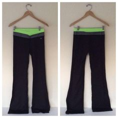 """Victoria's Secret VSX Sexy Workout Pants black S victoria's secret VSX sexy sport supermodel workout pants yoga leggings black S ❌ sorry no trades - price is firm even if bundled ❌ waist lay flat 13"""" rise 8.5"""" inseam 31, gently worn and washed Victoria's Secret Pants Leggings"""