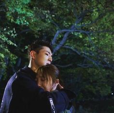 Sassy Go Go | This scene hurt my kdrama soul. He knew what it meant and he couldn't pull himself away yet. :( Bleh for #SecondLeadSyndrome