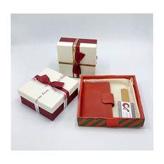 Fai un regalo personalizzato da CeVale  . . . #cevale #regalipersonalizzati #portafoglio Container, Inspirational, Gift, Inspiration