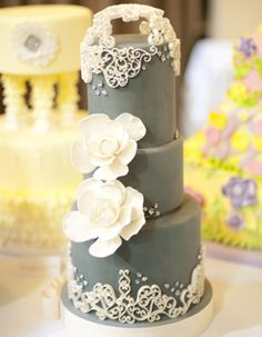 Ivory & Grey Wedding Cake #grayweddings