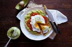 Pita with Avocado, Tomato, and Egg | 25 Delicious Ways To Eat Eggs For Dinner