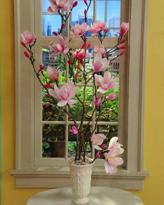 Enjoy the beauty of magnolia flowers year-round with this how-to from crafter Morgan Levine