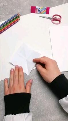 Diy Crafts Hacks, Diy Crafts For Gifts, Diy Home Crafts, Cute Crafts, Crafts To Do, Diy Projects, Diys, Instruções Origami, Paper Crafts Origami