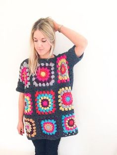 Cool crochet granny square oversized pullover - a Frank & Olive favourite that can be stitched up in no time. Suitable for any ability, and it looks ace! Find the pattern on LoveCrochet! Motifs Granny Square, Granny Square Sweater, Sunburst Granny Square, Granny Square Crochet Pattern, Crochet Squares, Granny Square Projects, Crochet Blocks, Square Blanket, Pull Crochet