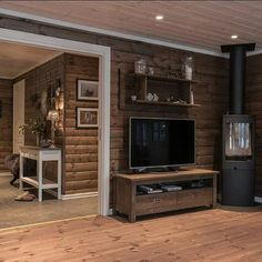 Familiehytta modell FH 145 Osensjøen! #familiehytta #nyhytte #hytte #hyttekos #interiør #hytteinteriør #osensjøen #fh145 #nordpeis House Design, House, Rustic Home Design, Cozy House, House Rooms, Log Home Interiors, Living Room Decor Cozy, Cottage Living Rooms, Rustic House