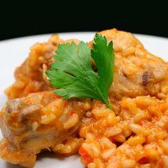 Arroz con conejo #receta #recetasMycook Risotto, Butter, Rice, Cooking, Ethnic Recipes, Food, Vegetables, Bay Leaves, Food Processor
